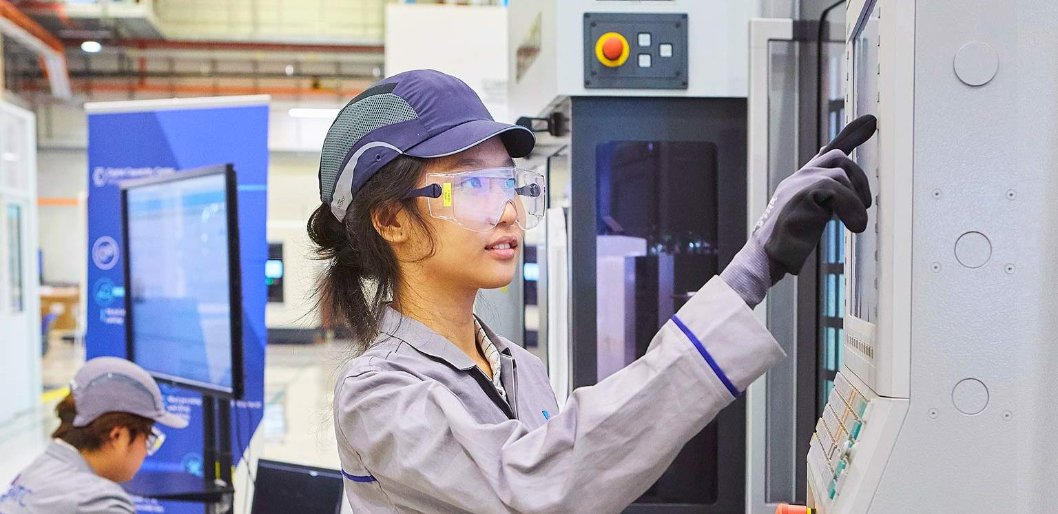 Industry 4 0 Reinvigorating ASEAN manufacturing for the future