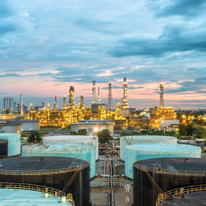 Capturing margin opportunities in oil and gas refining