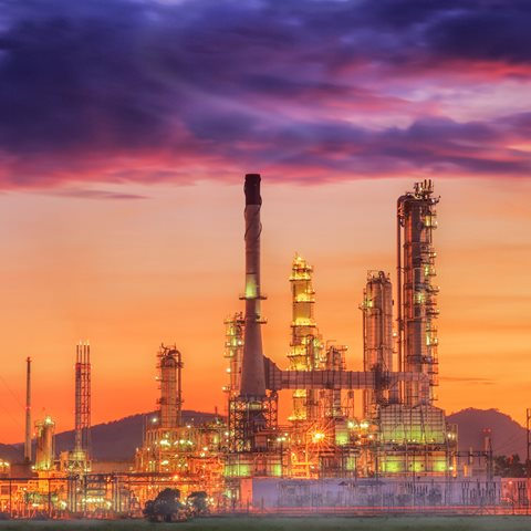 The conundrum of new complex refining investments